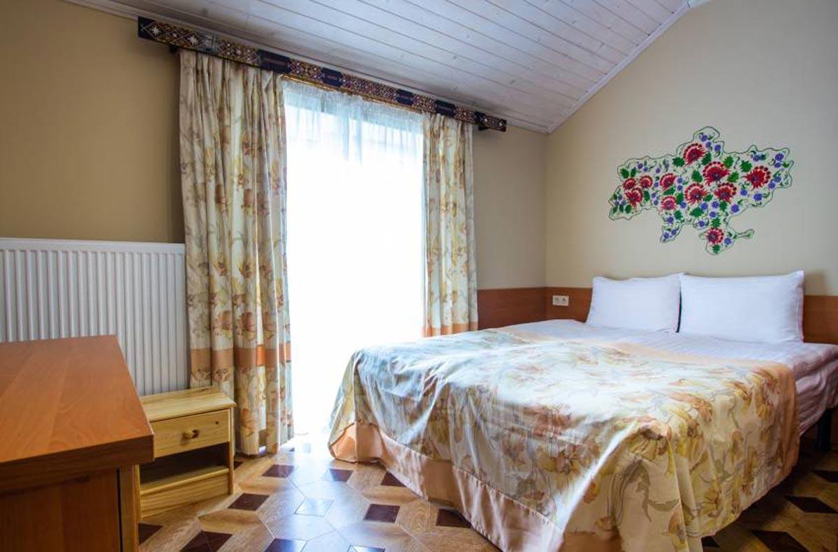 люкс готель Поезія Мандрів Східниця